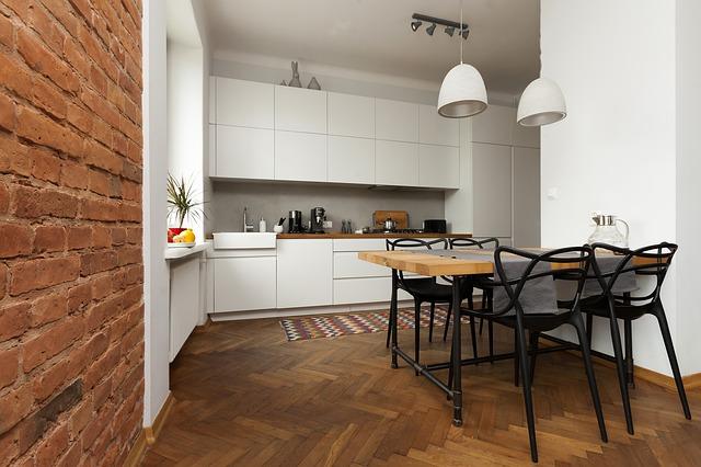 drewniane stoły kuchenne