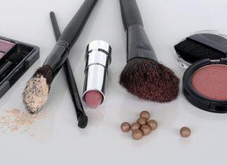 Kosmetyki online: gdzie szukać promocji