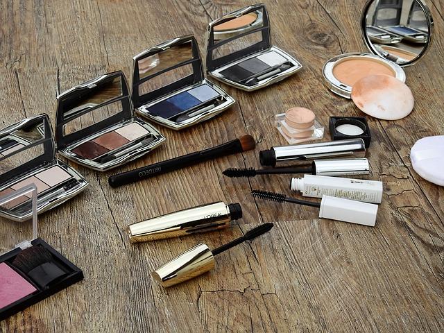 Kosmetyki online: drogerie internetowe