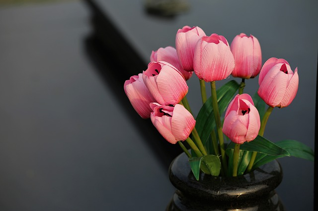 sztuczne kwiaty tulipany