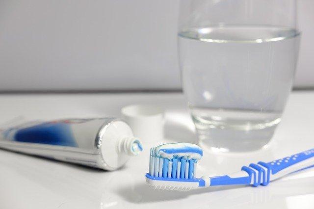 pasty do zębów wybielające