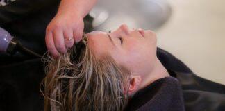 szampony do włosów zniszczonych przykłady
